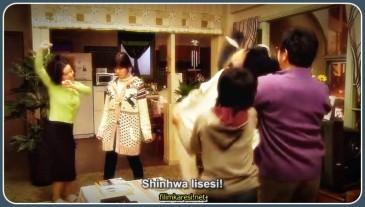F4'ün şımarık zengin lideri ve Shinhwa Grub'un varisidir. Kıvırcık saçlarıyla bir marka haline dömüşmüştür. Her zaman her istediğini yapabilen ve her zaman her istediğini işten kovabilen rahatsız edici bir agresif yapuya sahiptir. Fakat bu sert görünümünün altında saf ve temiz kalpli bir çocuk yatıyor aslında. Ailesinin fazla zamanı olmadığı için Gu Jun pyo hizmetçileri tarafından yetiştirilmiştir. Yani, haliyle Jan Di'nin sıcak aile ortamı dikkatini çekmiştir.