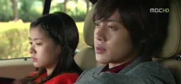 playful kiss 15 423
