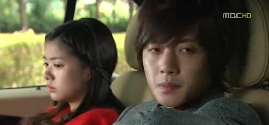 playful kiss 15 427